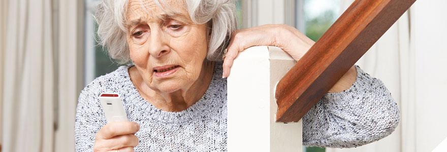 Téléassistance pour personnes âgées : quels sont les avantages